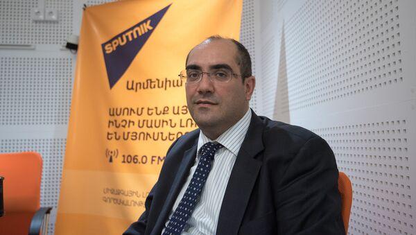 Грач Ростомян в гостях у радио Sputnik Армения - Sputnik Армения