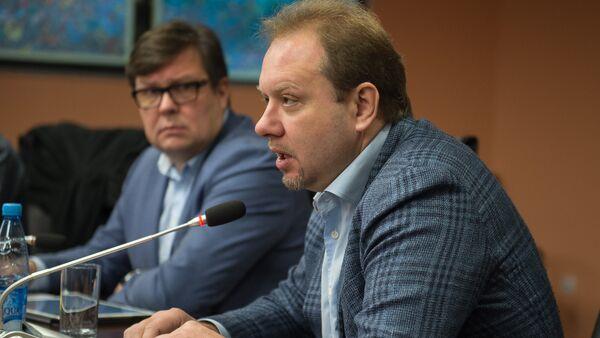 Профессор Высшей школы экономики (НИУ ВШЭ), политолог Олег Матвейчев - Sputnik Армения
