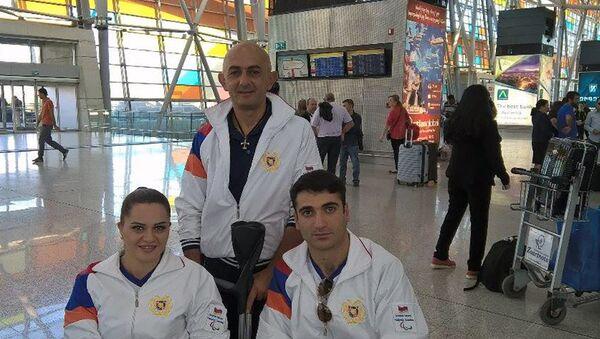Армянские паралимпийцы в аэропорту Звартноц перед отъездом в Рио де-Жанейро - Sputnik Армения