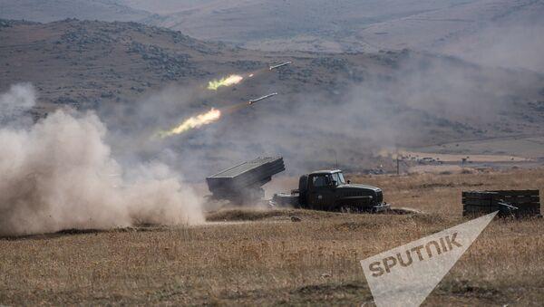 Совместные батальонные тактические учения военнослужащих российской военной базы ЮВО и военнослужащих ВС МО РА - Sputnik Армения