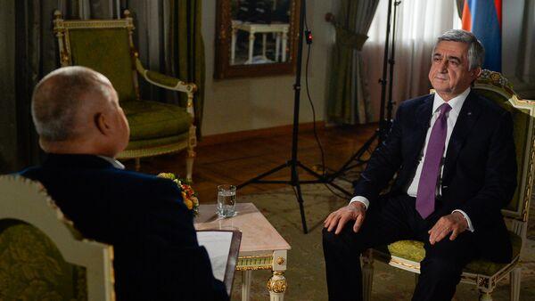 Президент Армении Серж Саргсян дал интервью генеральному директору МИА Россия сегодня Дмитрию Киселеву для Sputnik Армения - Sputnik Արմենիա