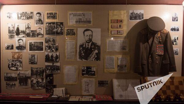 Музей ВОВ. Форма адмирала Исакова - Sputnik Армения