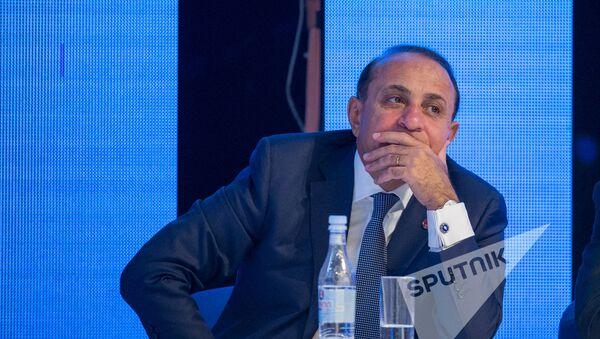 XVI съезд РПА. Бывший премьер-министр Армении Овик Абраамян - Sputnik Արմենիա
