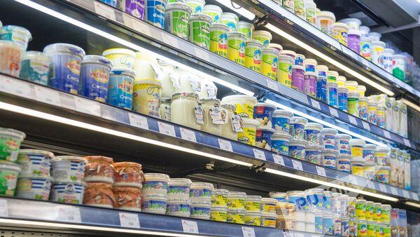 Молочные продукты в магазине  - Sputnik Армения