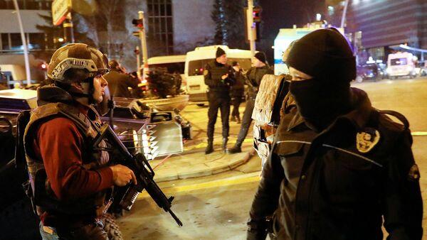 Полиция Турции на месте убийства посла России в Турции - Sputnik Армения