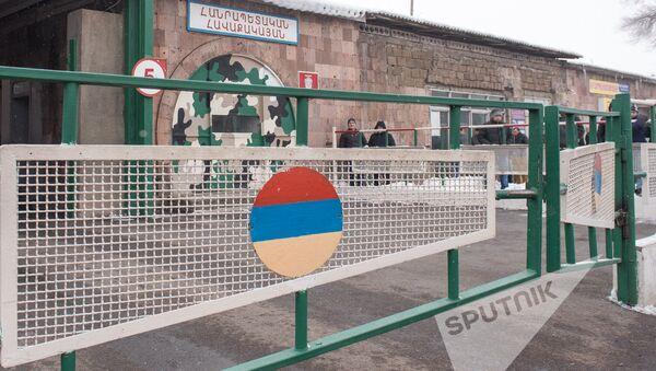 Зимний призыв в армию 2017, Ереван. Республиканский сборный пункт - Sputnik Армения