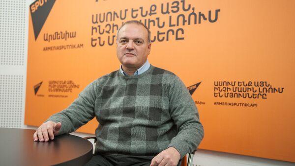 Виген Акопян в гостях у радио Sputnik Армения - Sputnik Արմենիա