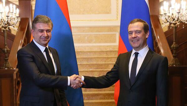 Премьер-министр РФ Д. Медведев встретился с премьер-министром Армении К. Карапетяном - Sputnik Армения