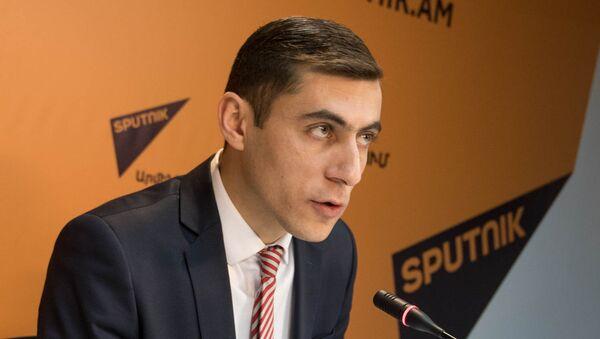 П/к Гагика Суреняна в пресс-центре Sputnik Армения  - Sputnik Արմենիա