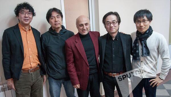 Тигран Экекян с японскими коллегами - Sputnik Армения