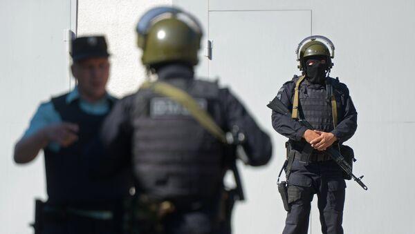 Сотрудники правоохранительных органов - Sputnik Արմենիա