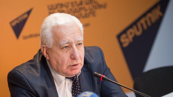 Директор государственной филармонии Армении, заслуженный деятель искусств Армении Гагик Манасян - Sputnik Արմենիա