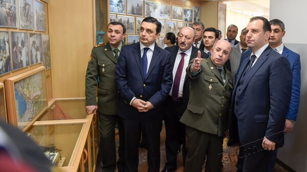 Виген Саргсян посетил Медицинский университет имени Мх.Гераци - Sputnik Армения