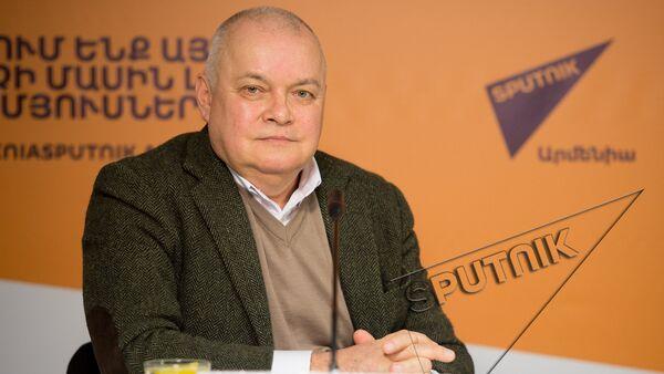 Дмитрий Киселев в пресс-центре Sputnik Армения  - Sputnik Армения