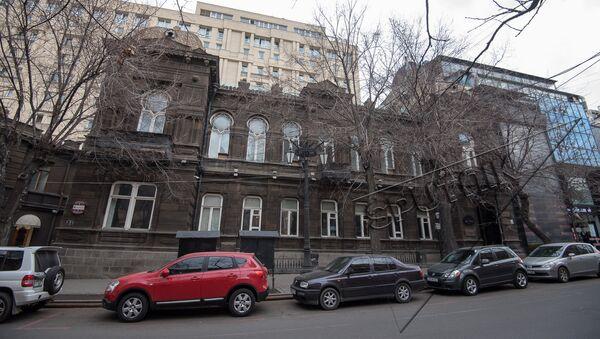 Улица Абовяна 3, здание АОКС-а. Старый Ереван  - Sputnik Армения