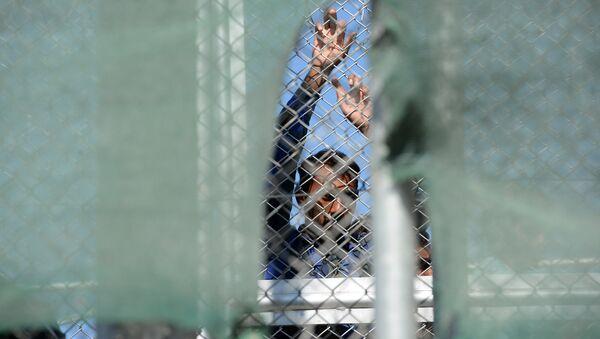 Беженцы на острове Лесбос в Греции - Sputnik Армения