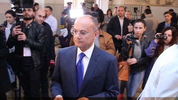 Сейран Оганян проголосовал на выборах в НС РА - Sputnik Армения