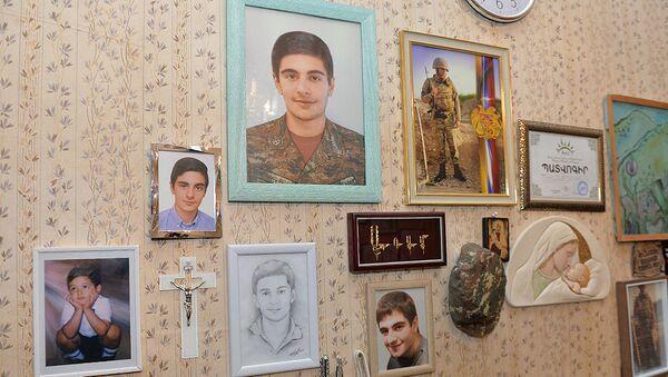 В доме погибшего при защите Отечества Адама Саакяна - Sputnik Армения