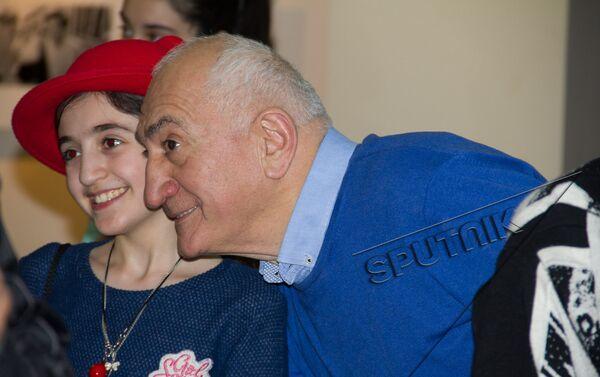 В Ереване открылась выставка Грузия – двойные страницы. Фотограф Юрий Мечитов - Sputnik Армения