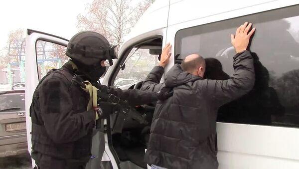 ФСБ задержала двух россиян, организовавших незаконное пересечение границы РФ с иностранцами - Sputnik Армения