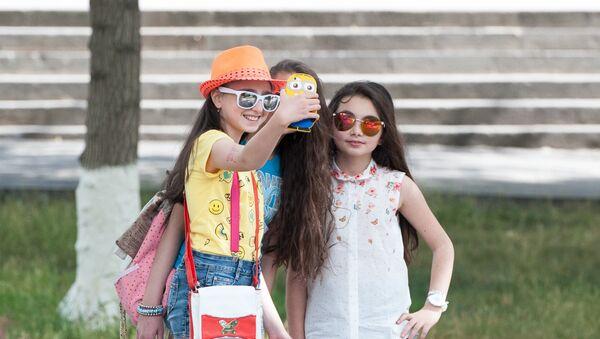 Международный день защиты детей отметили в Ереване - Sputnik Արմենիա