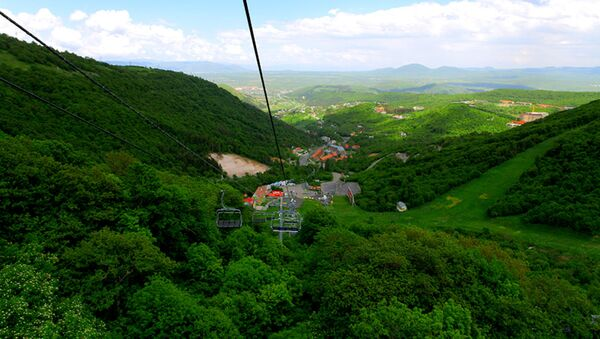 Канатная дорога в курортном городе Цахкадзор - Sputnik Արմենիա