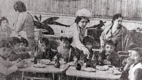 Детское кафе Сказка на улице Туманяна, 1968г. - Sputnik Армения