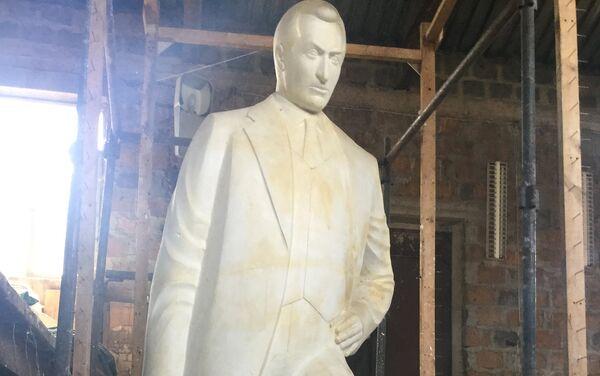 Памятник Согомону Тейлеряну. Скульптор Самвел Петросян - Sputnik Армения