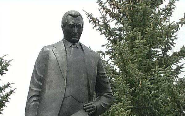 Открытие памятника Согомону Тейлеряну в Маралике. Скульптор Самвел Петросян - Sputnik Армения