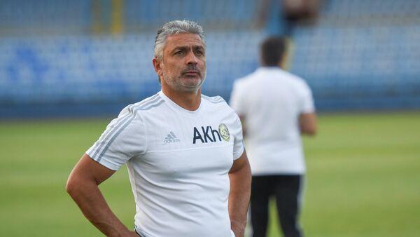 Главный тренер команды Алашкерт Абраам Хашманян - Sputnik Армения