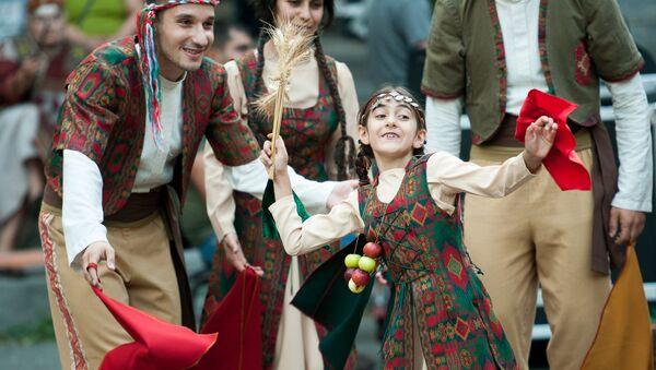 Праздничное шествие к празднику Вардавар - Sputnik Արմենիա