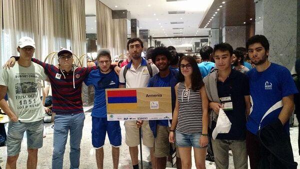 Армянские школьники 6 медалей принисли в Армению - Sputnik Армения