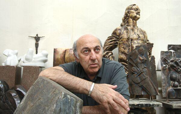 Скульптор Георгий Франгулян в студии - Sputnik Армения