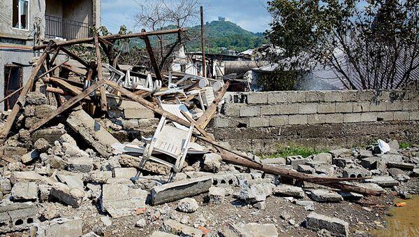 Разрушенные дома, сгоревшие машины: последствия взрыва в Батуми - Sputnik Армения
