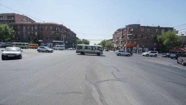 Улица, машины - Sputnik Армения