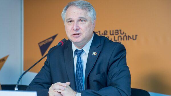 Александр Цинкер - Sputnik Армения