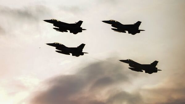 Истребители F16 турецких военно-воздушных сил, фото из архива - Sputnik Армения