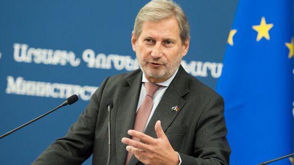 Комиссар Европейской делегации Йоханнес Ханн - Sputnik Армения