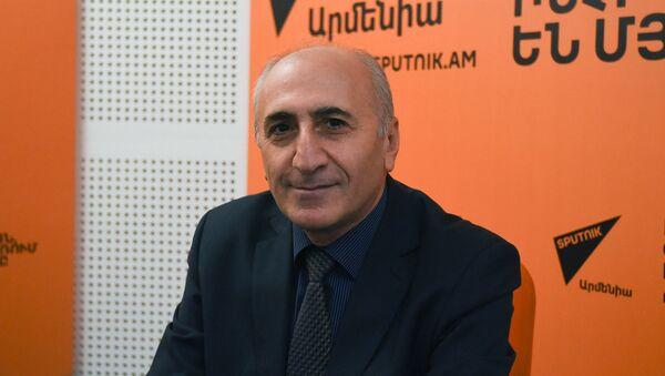 Атом Маргарян в гостях у радио Sputnik Армения - Sputnik Արմենիա