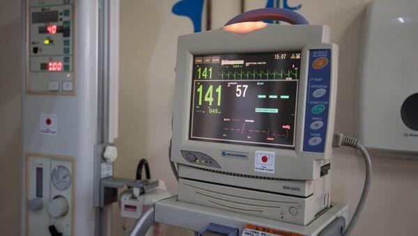 Медицинское оборудование в отделение детской реанимации - Sputnik Армения