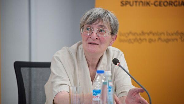 Эксперт-политолог Нана Девдариани - Sputnik Армения