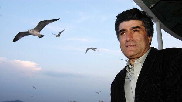 Грант Динк — турецко-армянский журналист, колумнист, главный редактор турецко-армянской газеты «Агос» - Sputnik Արմենիա