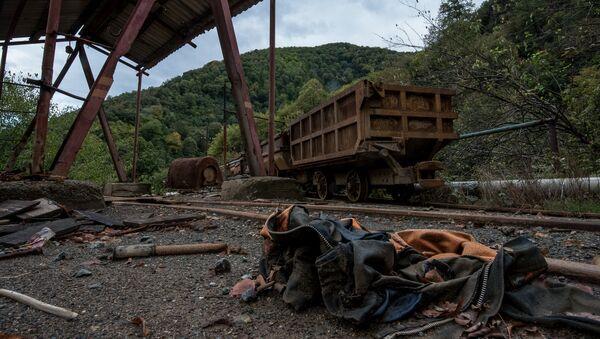 Заброшенный рудник по добыче меди города Ахтала - Sputnik Արմենիա