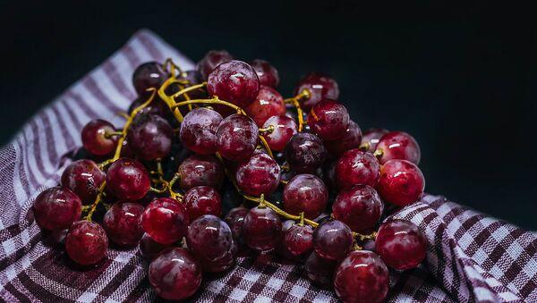 Гроздь винограда - Sputnik Армения