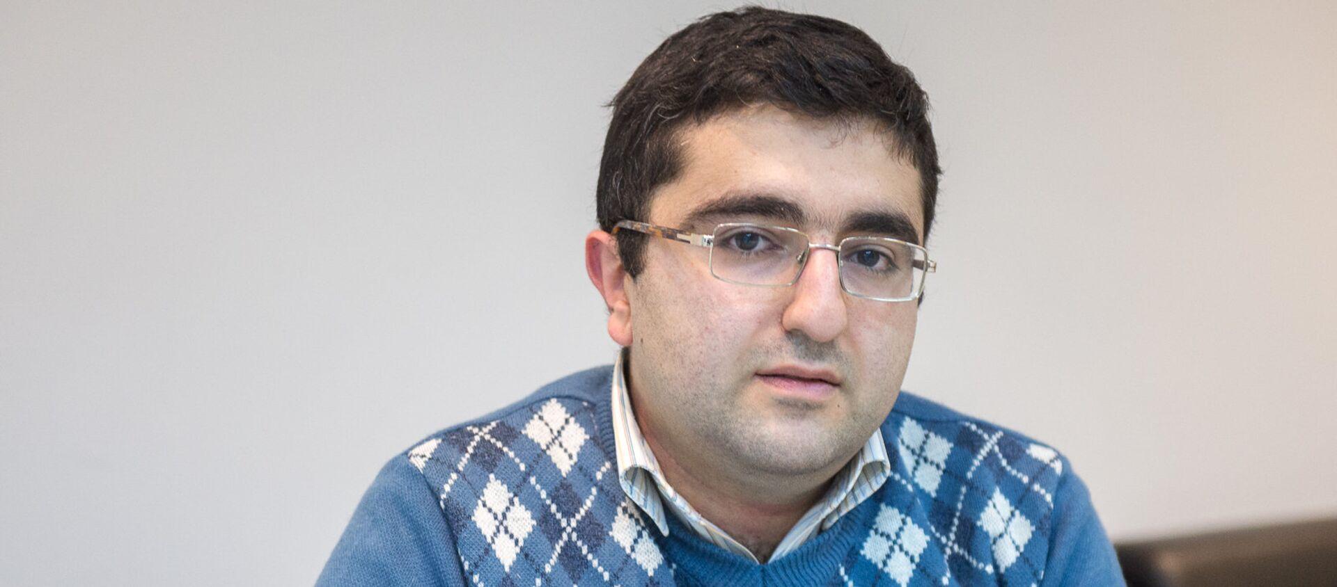 Вирусолог Оваким Закарян - Sputnik Армения, 1920, 29.12.2020