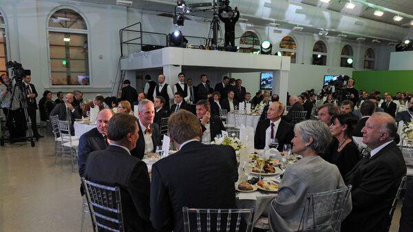 ՌԴ նախագահ Վ. Պուտինն այցելել է Russia Today-ի հեռարձակման 10-ամյակին նվիրված ցուցահանդես - Sputnik Արմենիա