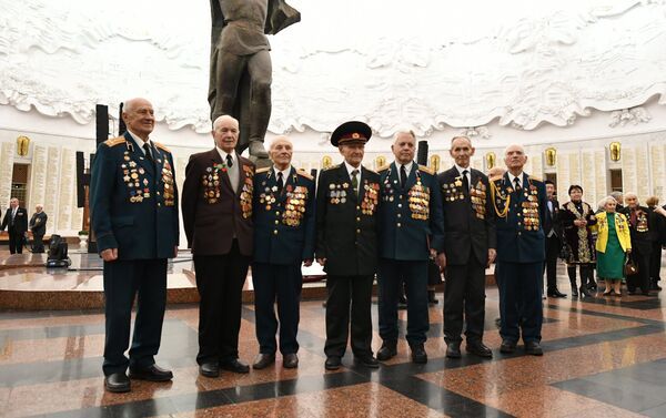 Հաղթողների տոնակատարությունը Հաղթանակի թանգարանում - Sputnik Արմենիա