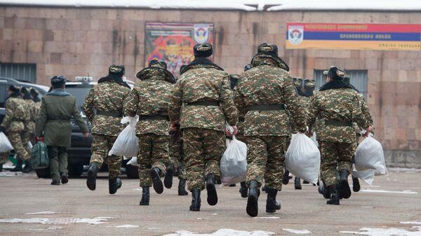 Зимний призыв в армию 2017, Ереван. Республиканский сборный пункт  - Sputnik Արմենիա