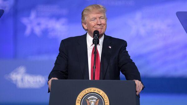 45-ый Президент США Дональд Трамп во время выступления на Конференции Консервативного Политического Действия /CPAC/ (2017 год). Нэшнл-Харбор, штат Мэриленд, США - Sputnik Армения