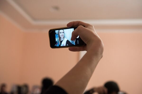 Селфи участницы из России Дворецкой Полины на конкурсе Топ Модель СНГ 2017 - Sputnik Армения